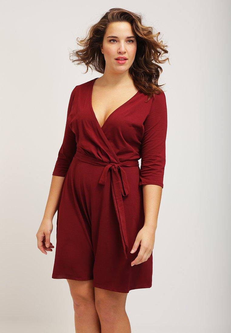Sukienka Dorothy Perkins za 59,50zł (duże rozmiary) @ Zalando