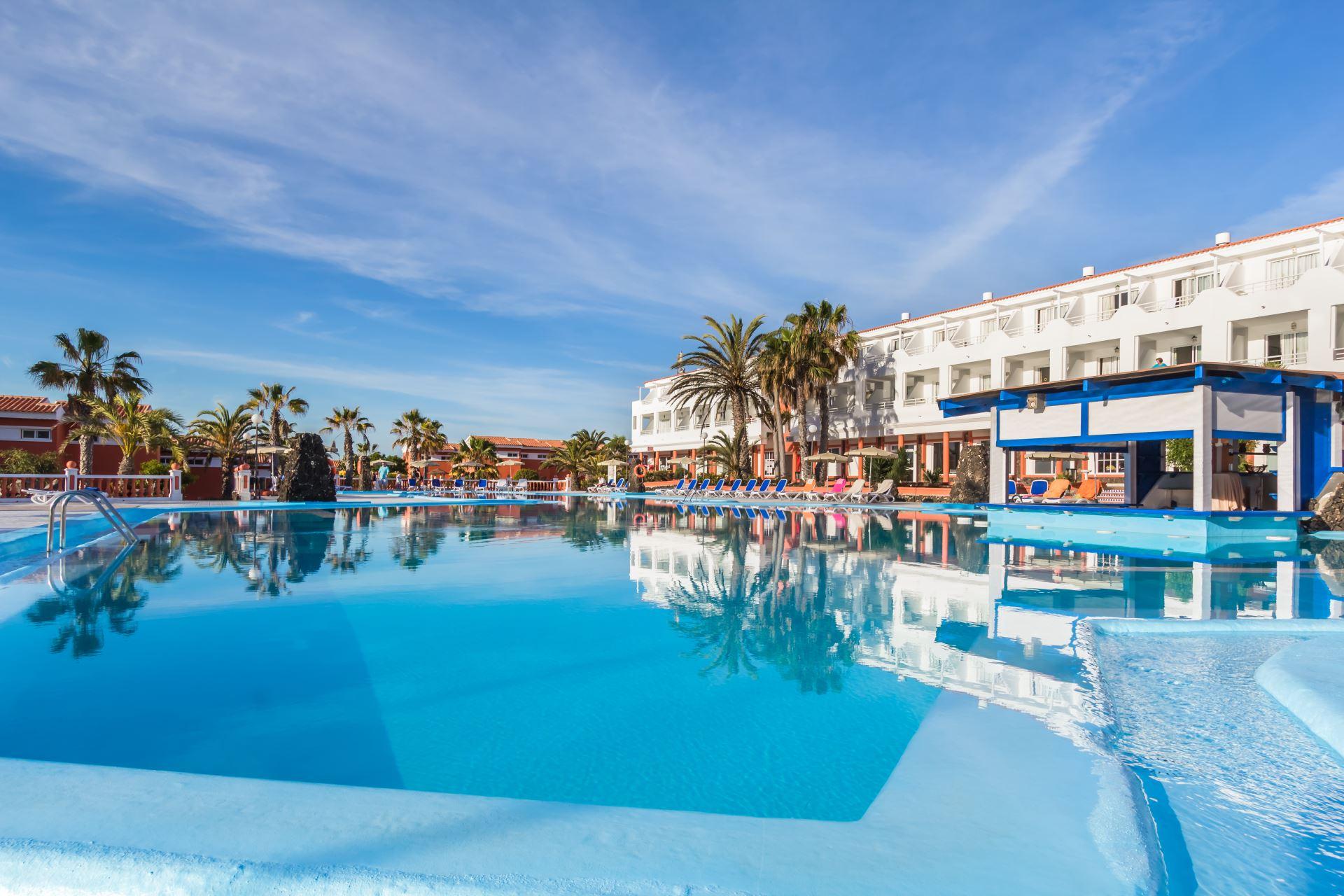 Najpiękniejsze plaże Kanarów skąpane w słońcu. Urlop z all inclusive na Fuerteventurze od 1625 zł