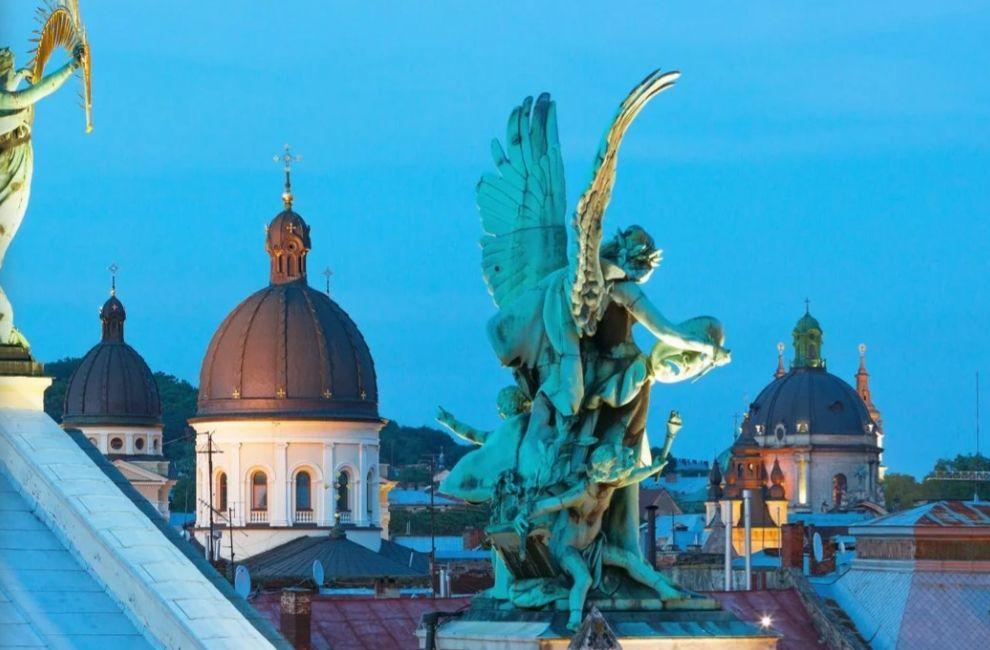 Krótko i elegancko: city break we Lwowie! 2 noce w 4* butikowym hotelu w sercu miasta, loty i transfery: 525 PLN!