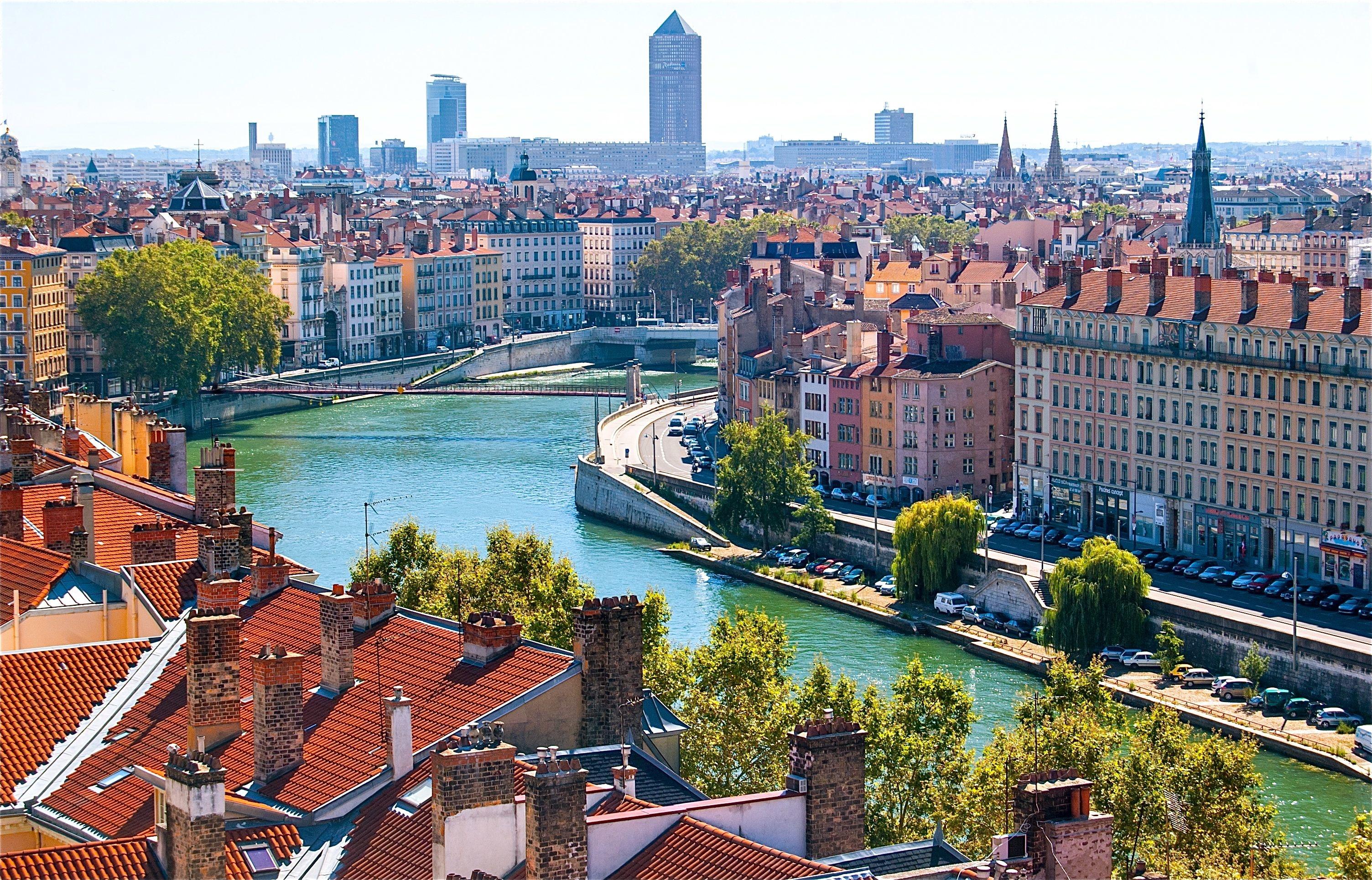 Loty do Lyonu z Krakowa na weekend (koniec listopada)