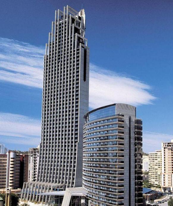 Hiszpania: 7 dni z pełnym wyżywieniem w najwyższym hotelu Europy od 1349 zł  Costa Blanca z Wrocławia, Poznania, Warszawy Grudzień
