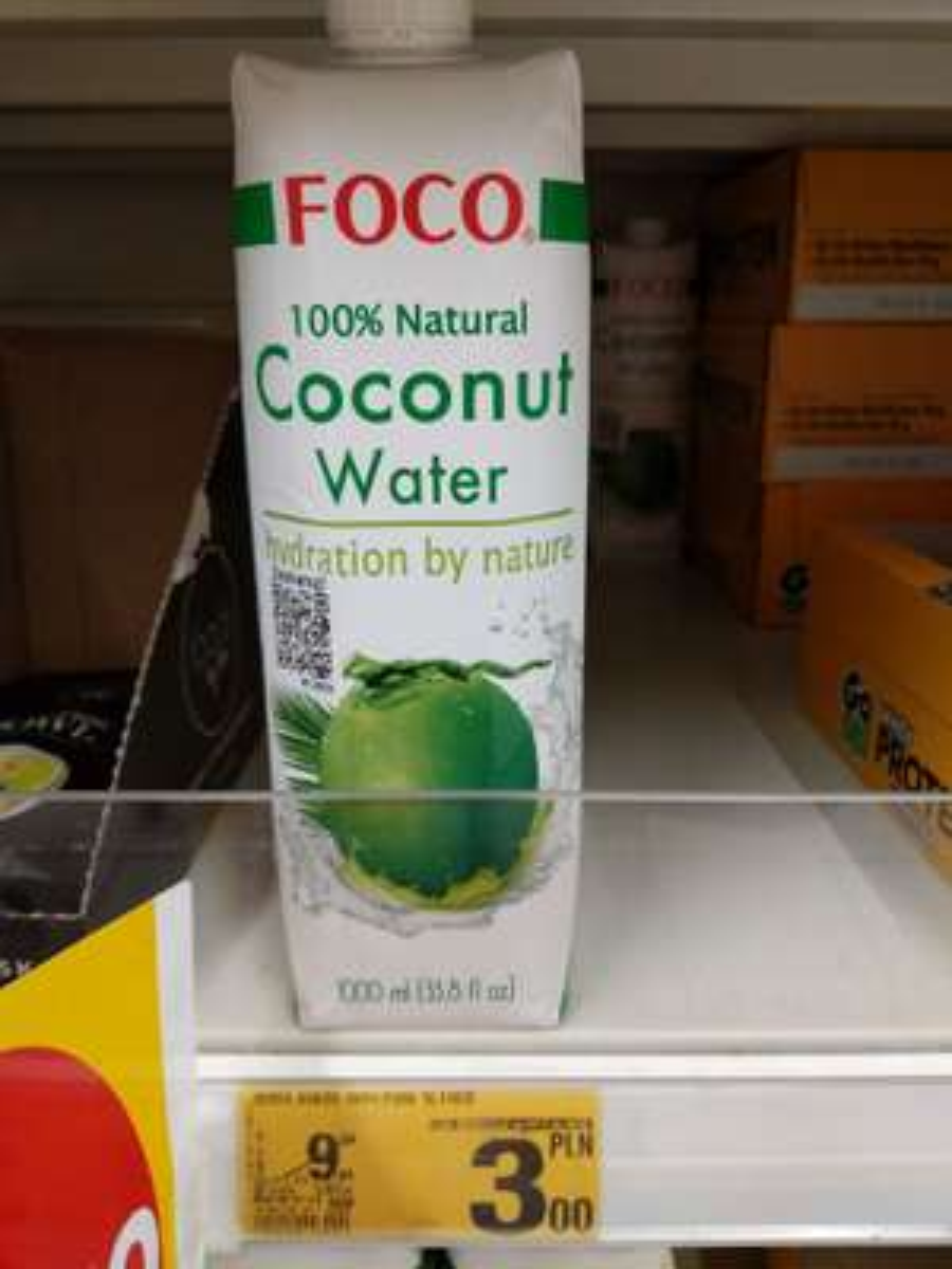 Woda kokosowa 100% natural Coconut Water FOCO 1LITR Auchan Sosnowiec