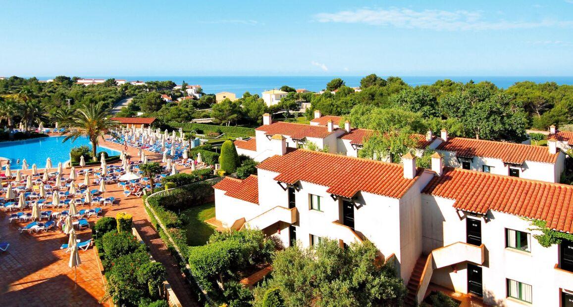 Majówka na Balearach :) Hiszpania (Minorka): 4* hotel z HB za 1572 zł  Wyloty na Baleary z Warszawy