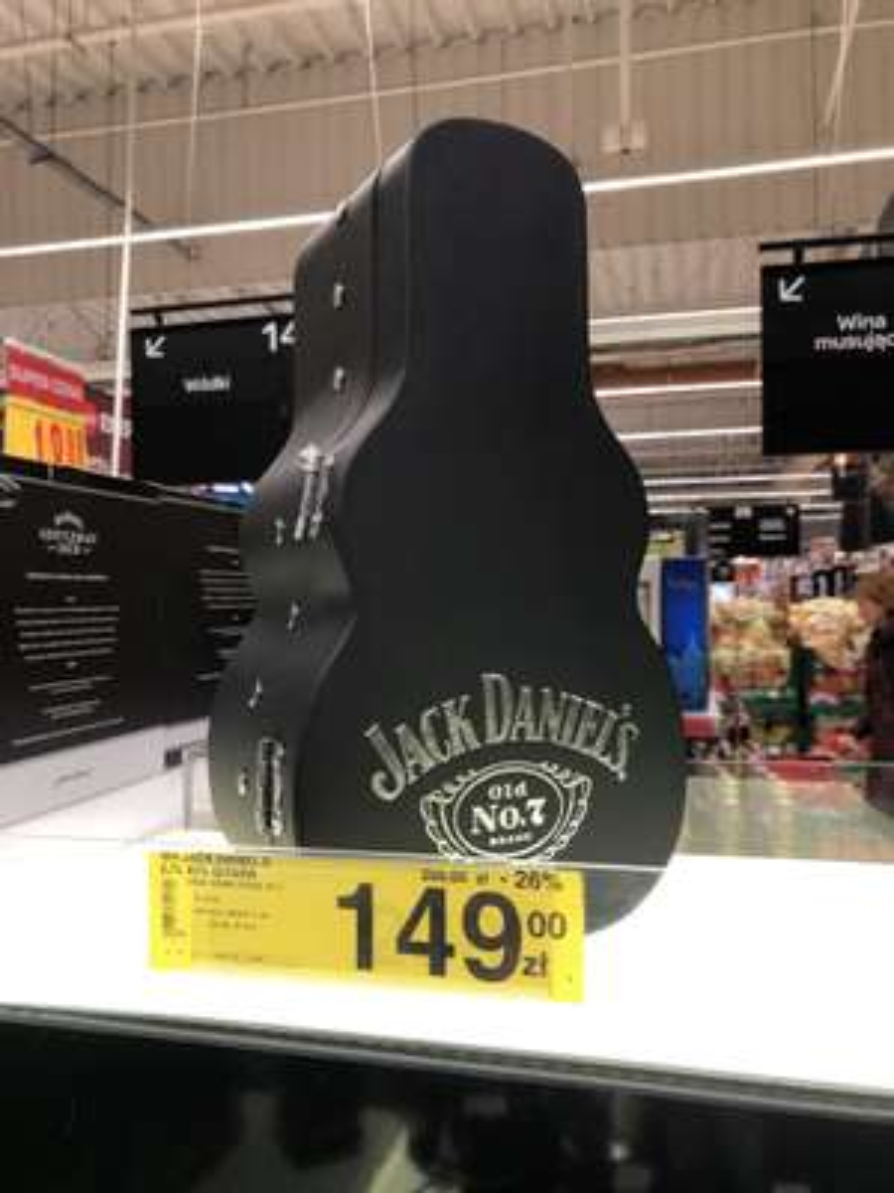 Jack Daniel's 0,7l etui w kształcie gitary Carrefour Rybnik