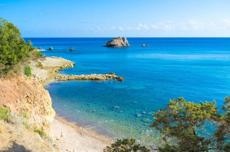 Wyspa Afrodyty w atrakcyjnej cenie. Tydzień na Cyprze w 4* hotelu z HB za 739 zł Wyloty na Cypr z Katowic Ryanair. Cena 739 zł za osobę