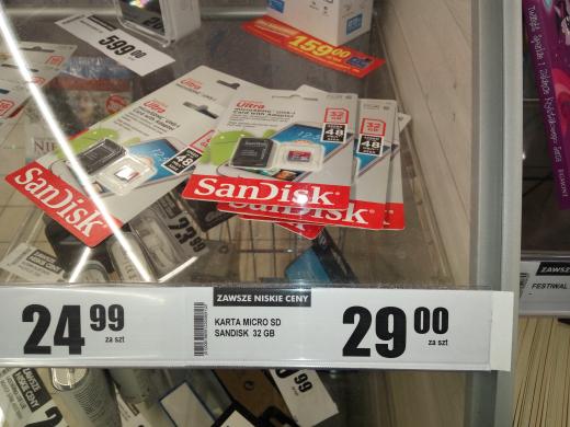 Karty Sandisk 32gb  UHS-I @ Biedronka