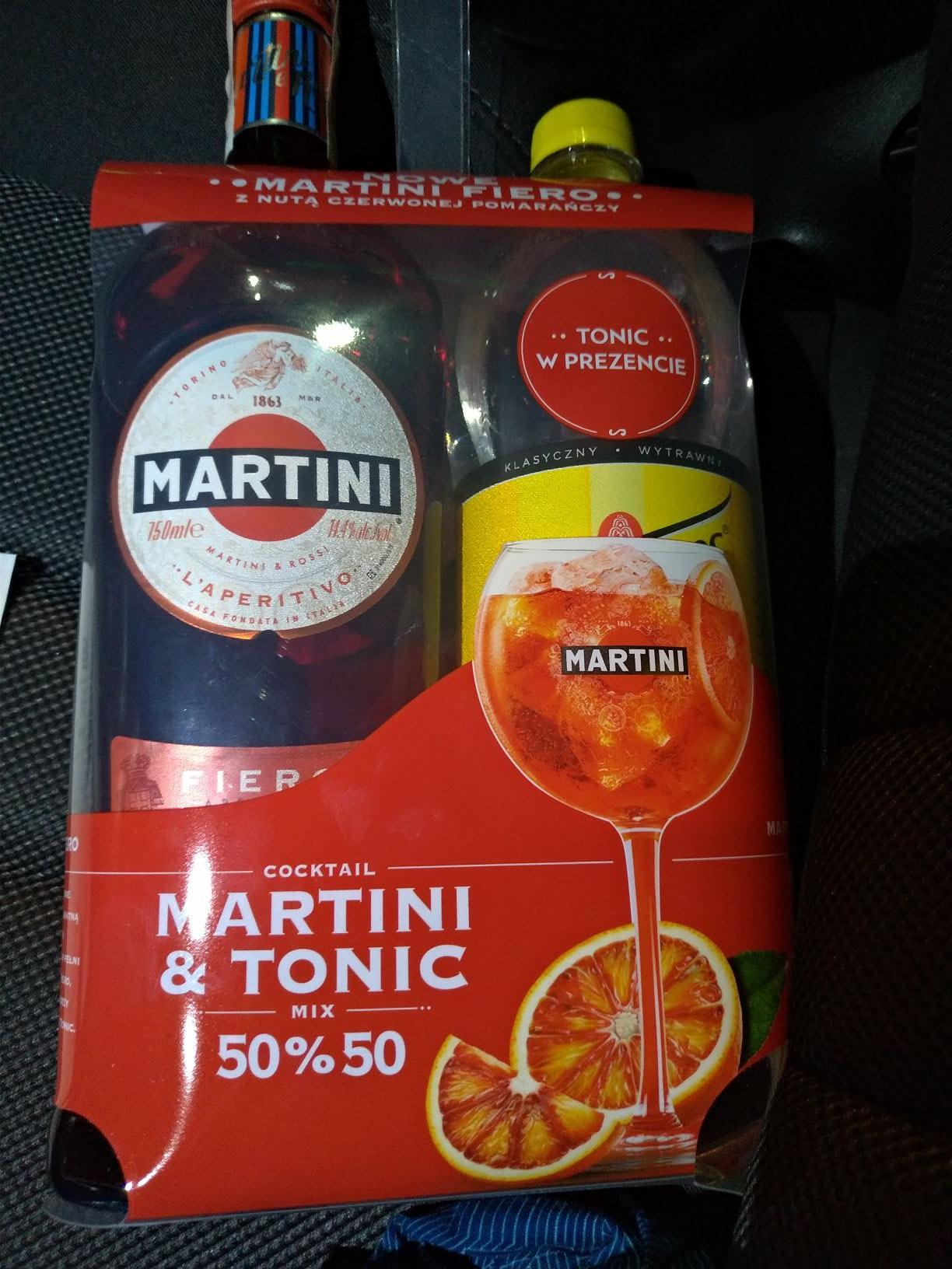 Martini Fiero 0,75 + tonic schweppes 0,9 zestaw biedronka