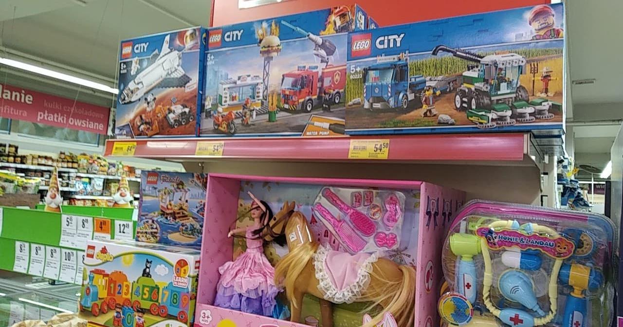 Średniej wielkości zestawy Lego prawie 50% taniej w sklepach Stokrotka!