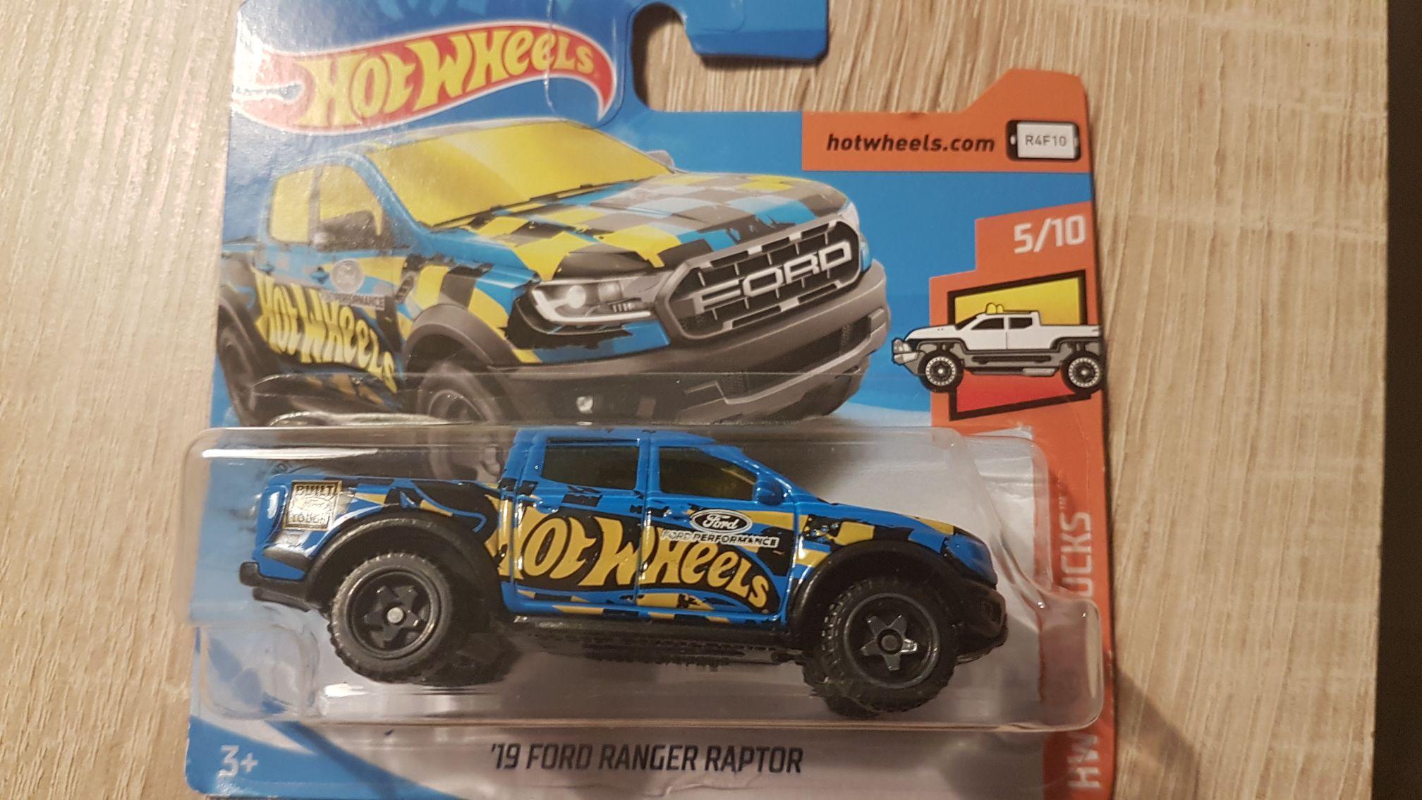Hot Wheels 4.80 szt przy zakupie 2 szt Auchan