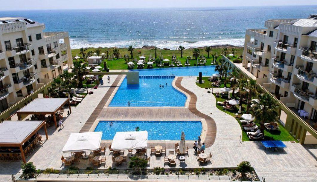 Wakacje 2020: Lipcowy urlop na Cyprze w 4* hotelu z wyżywieniem HB za 2199 PLN/os