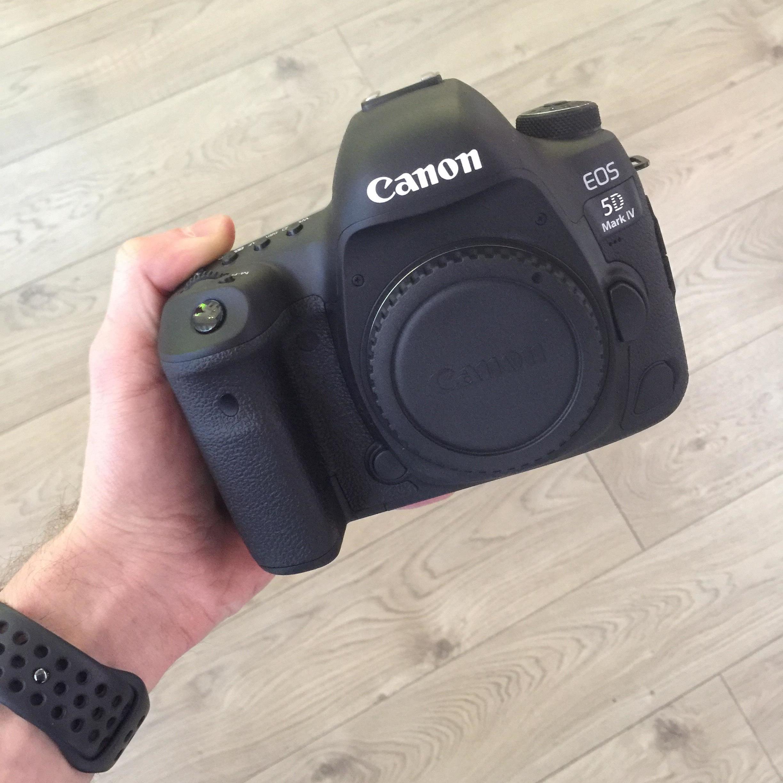 Canon EOS 5D Mark IV + grip za 1zł + 5% rabatu lub rata gratis + Bon na Fotoksiążke
