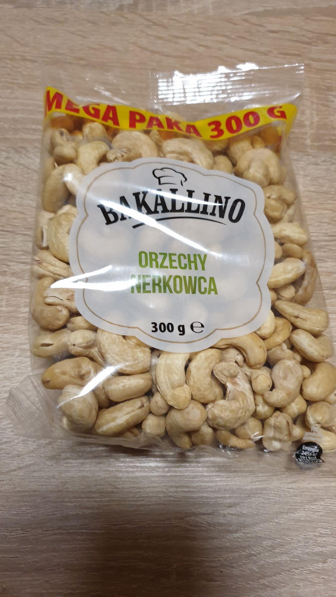 Orzechy nerkowca 300 g 10,49 PLN (Cena za 1 szt. przy zakupie 2 sztuk) - Biedronka