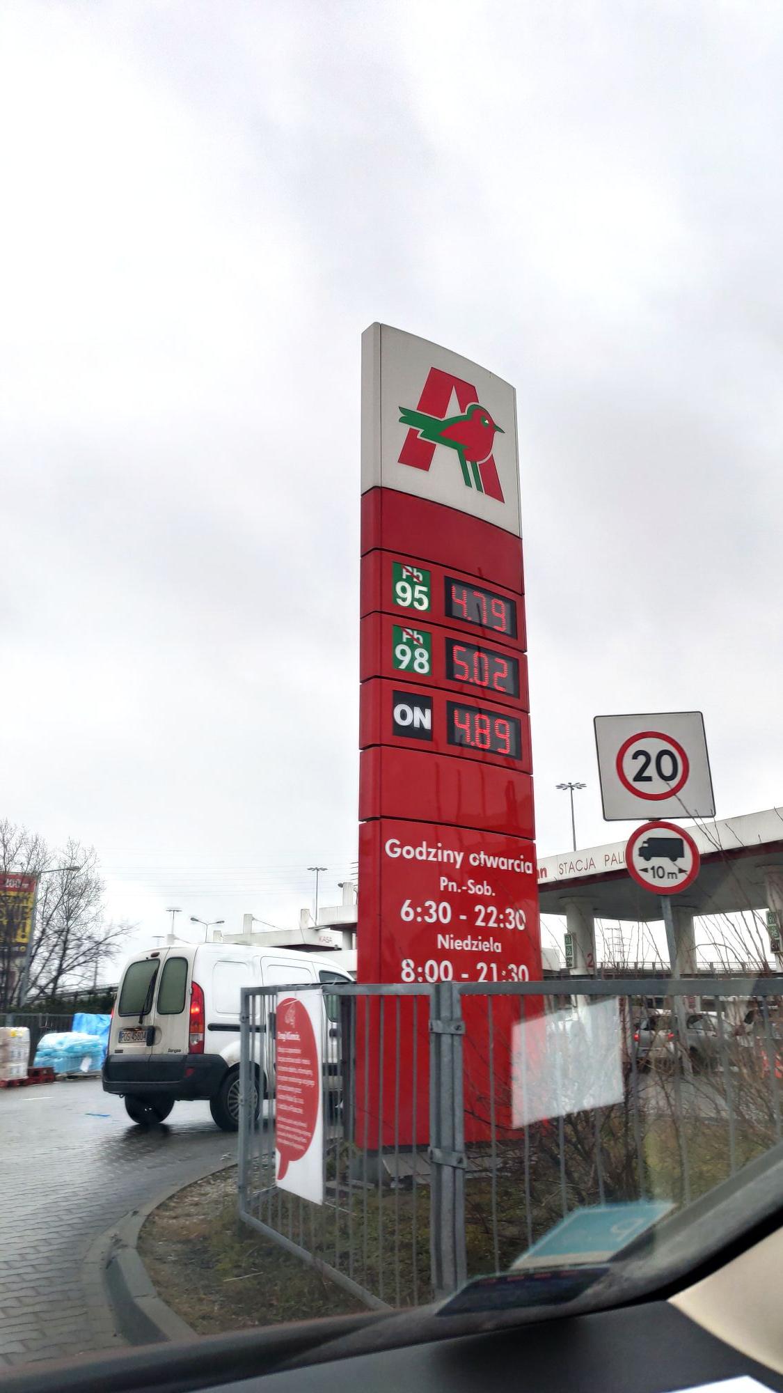 Paliwo PB95 za 4,79 zł w Auchan Modlińska (Warszawa)