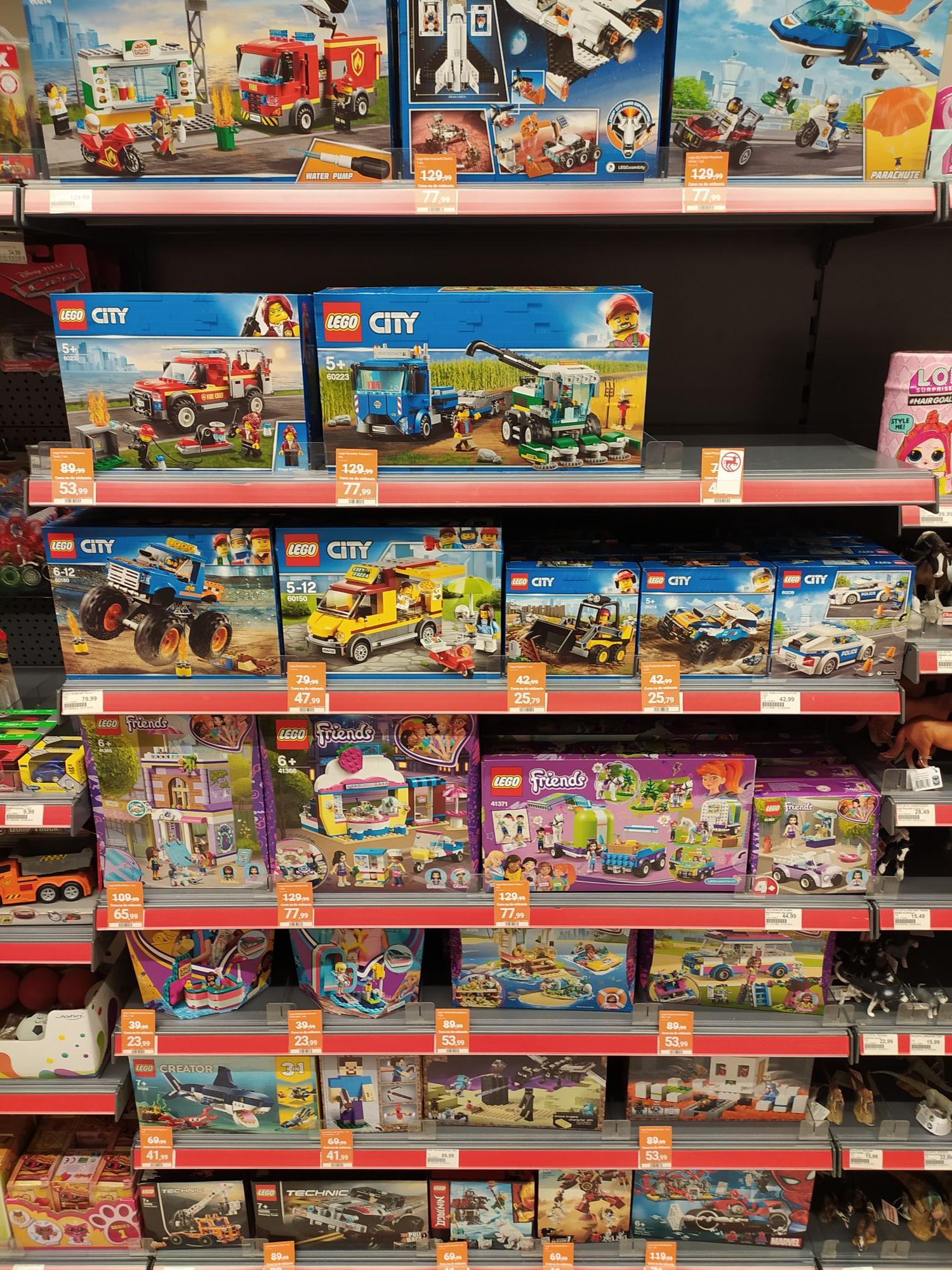 Wyprzedaż LEGO w Rossmann