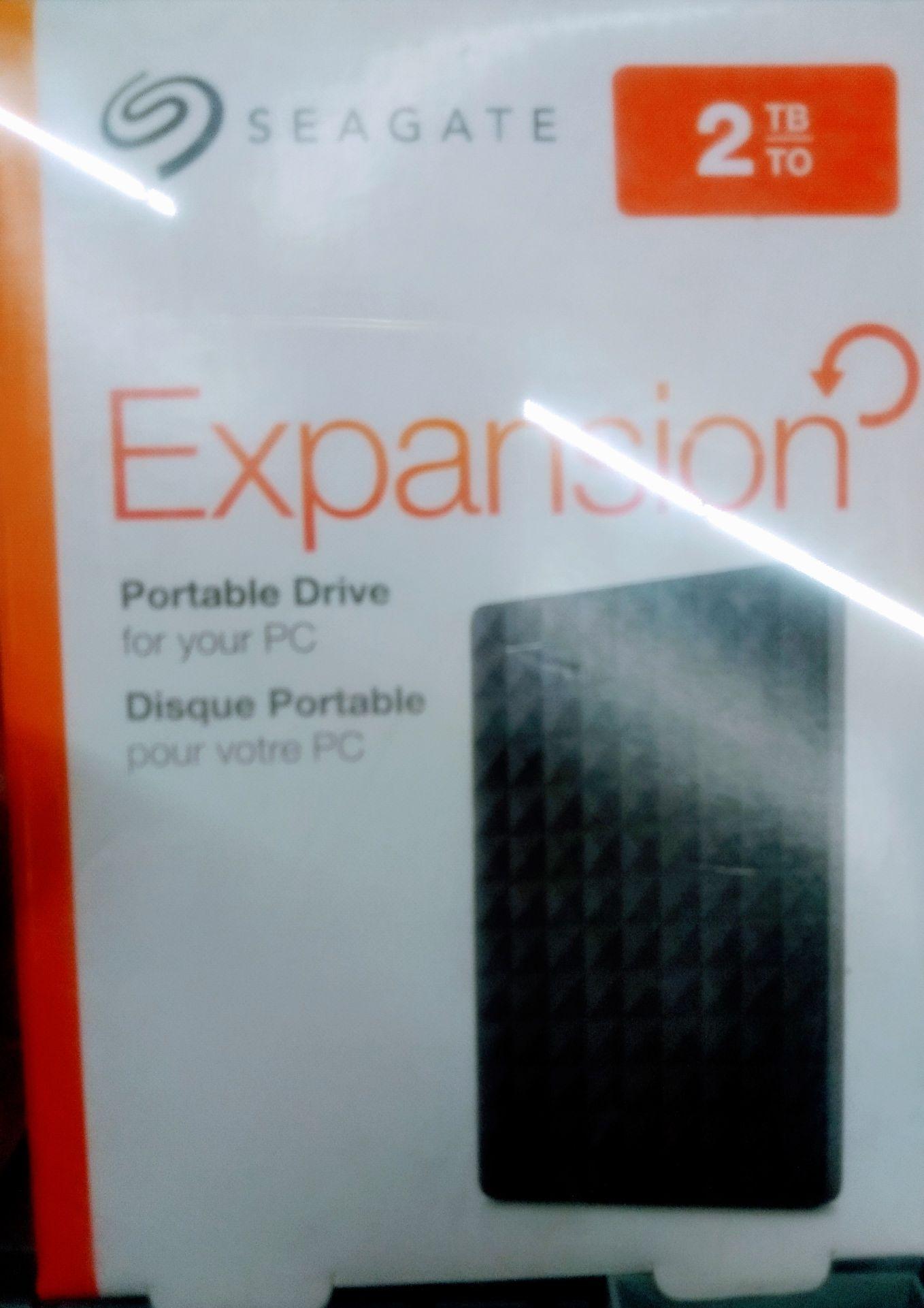 """Dyski zewnętrzne 2TB 2.5"""" USB3.0 WD Elements Portable oraz Seagate Expansion Portable - możliwe 190PLN#Carrefour Białystok Wrocławska"""