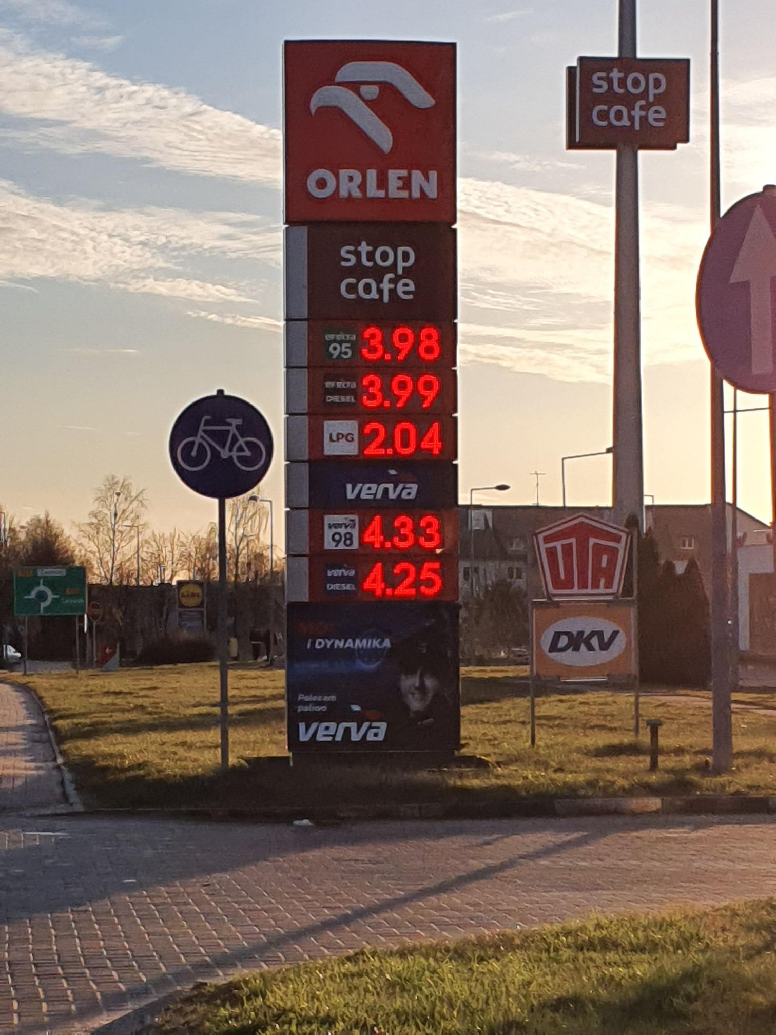 Orlen Bytów: efecta 95- 3,98 efecta diesel- 3,99 LPG- 2,04 verva 98-4,33 verva diesel- 4,25
