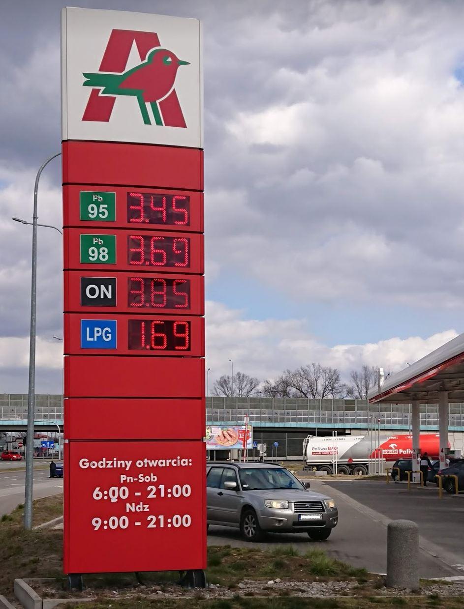Auchan Łomianki bezołowiowa 95 - 3,45 PLN