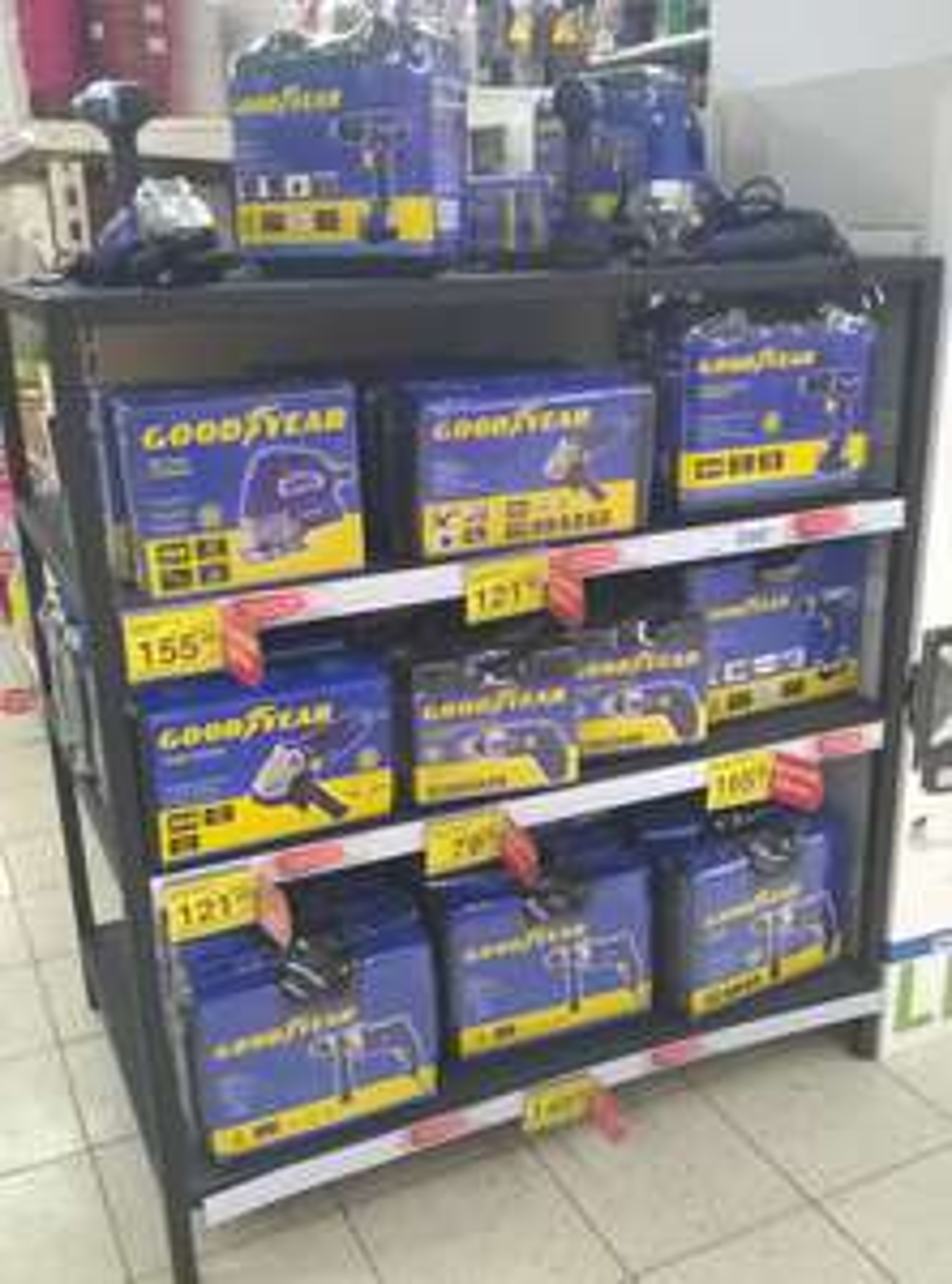 Sprzęt Goodyear w Carrefour w przecenie