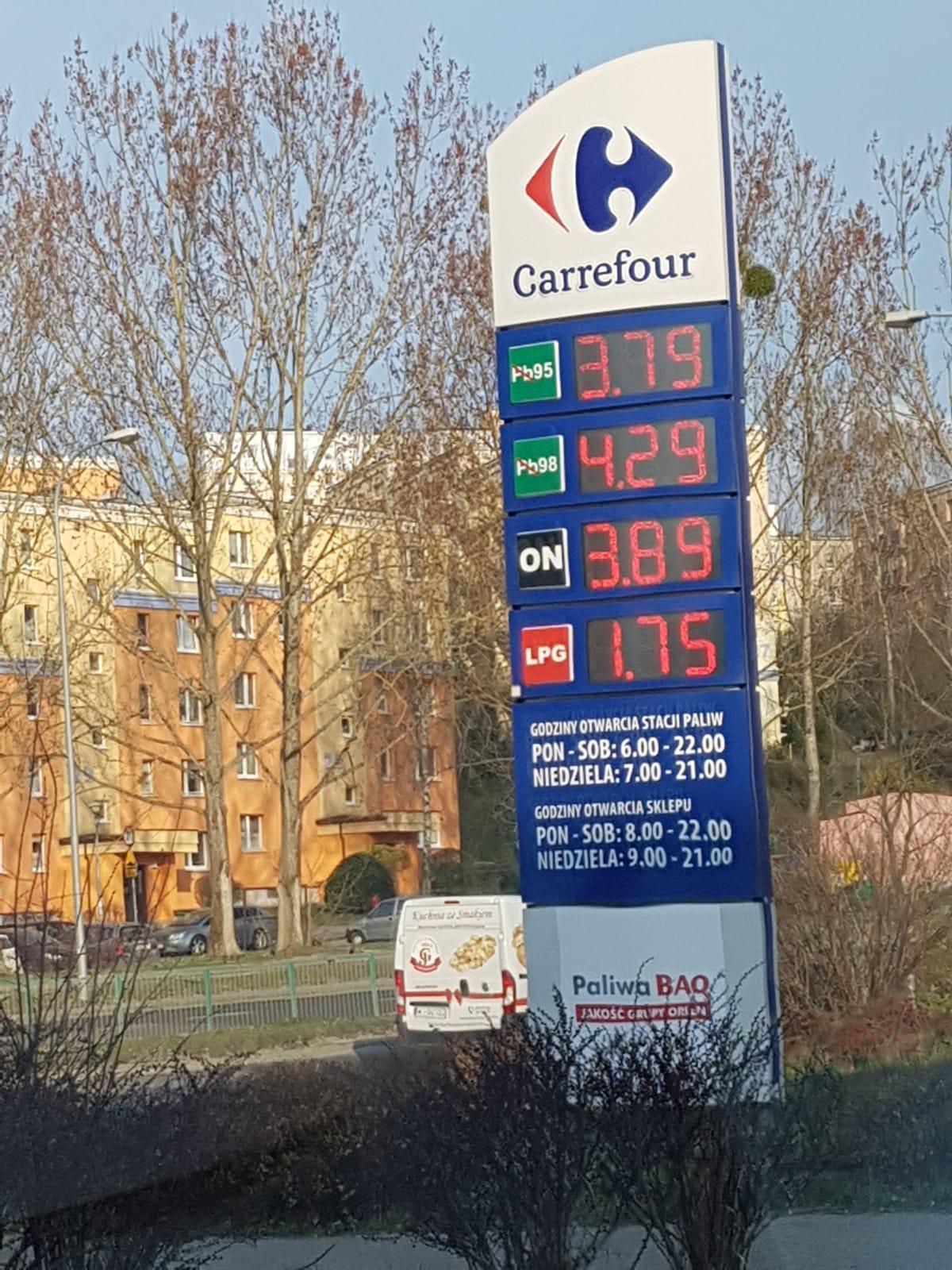 Carrefour Olsztyn PB95 3,79 -- LPG 1,75 -- ON 3,89 benzyna gaz ropa stacja
