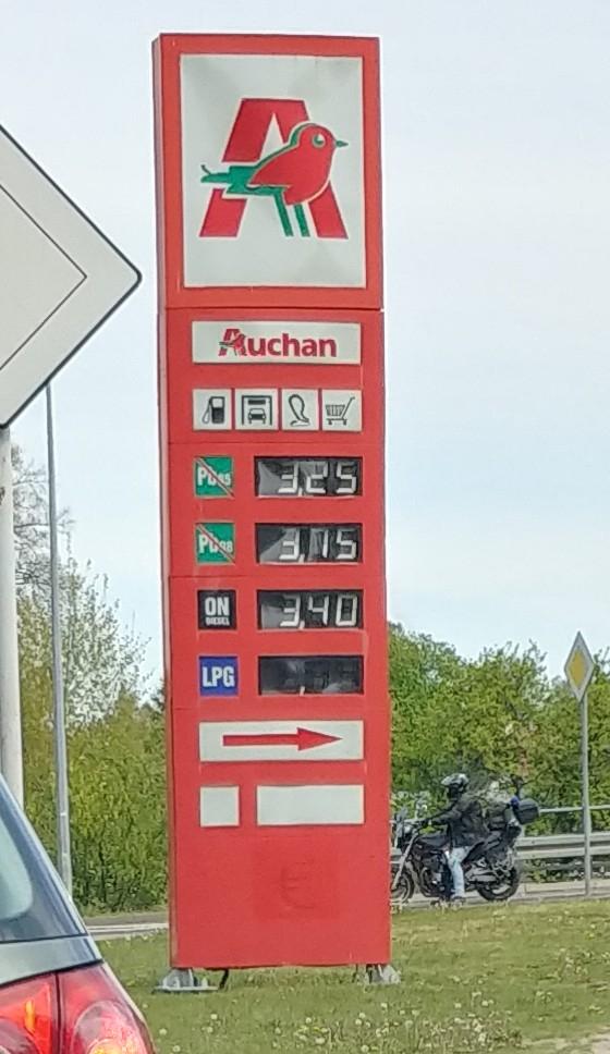 Paliwo PB95 Auchan Wałbrzych (ON 3,40zł)