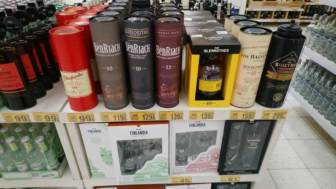 Whisky Benriach 10 YO, Curiositas, 12 YO, Glenfarclas 10 YO, Glenrothers 10 YO, Balvenie 12Yo Auchan Rumia