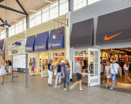 Nike Factory Store -50% Spodnie i Bluzy męskie / Gdańsk Designer Outlet