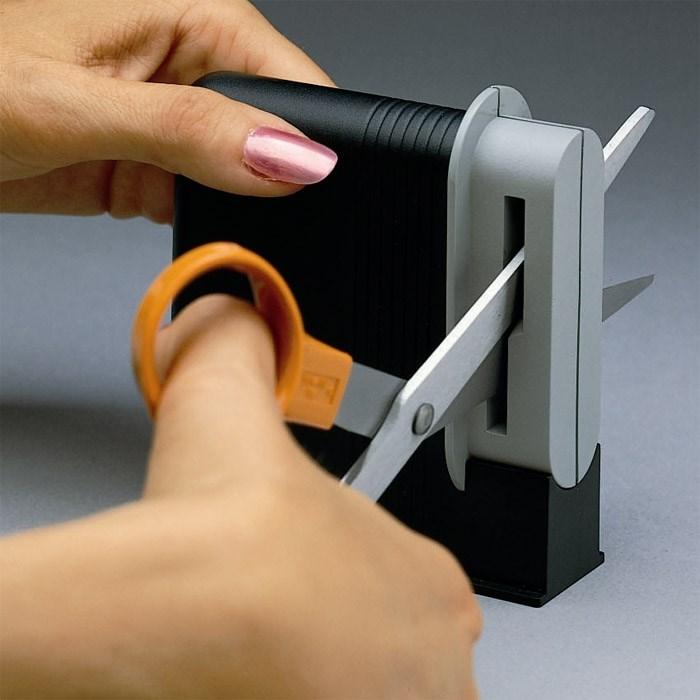 Ostrzałka do nożyczek Fiskars Clip-Sharp 1000812