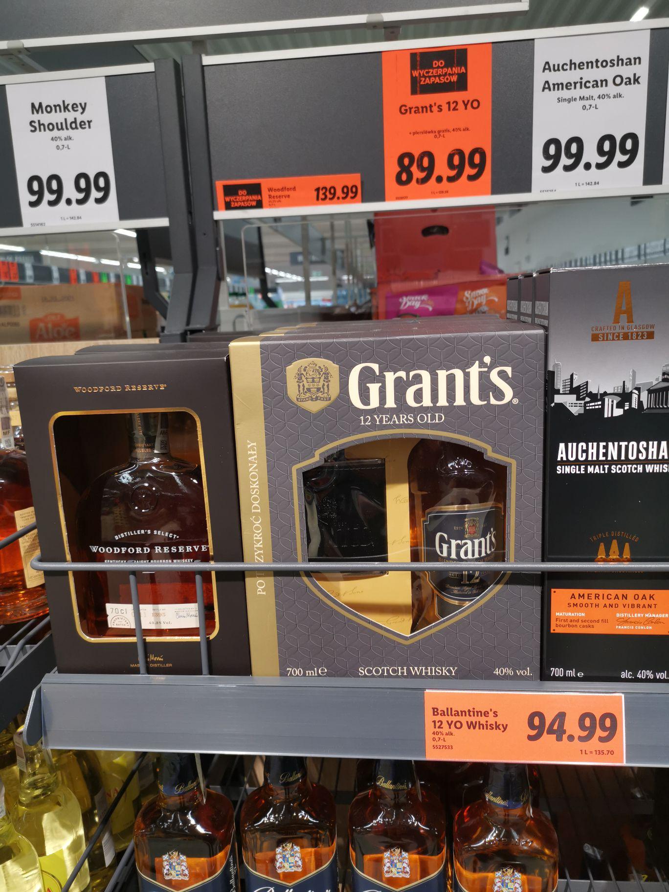 Whisky Grants 12yo 0,7l + piersiówka, Lidl