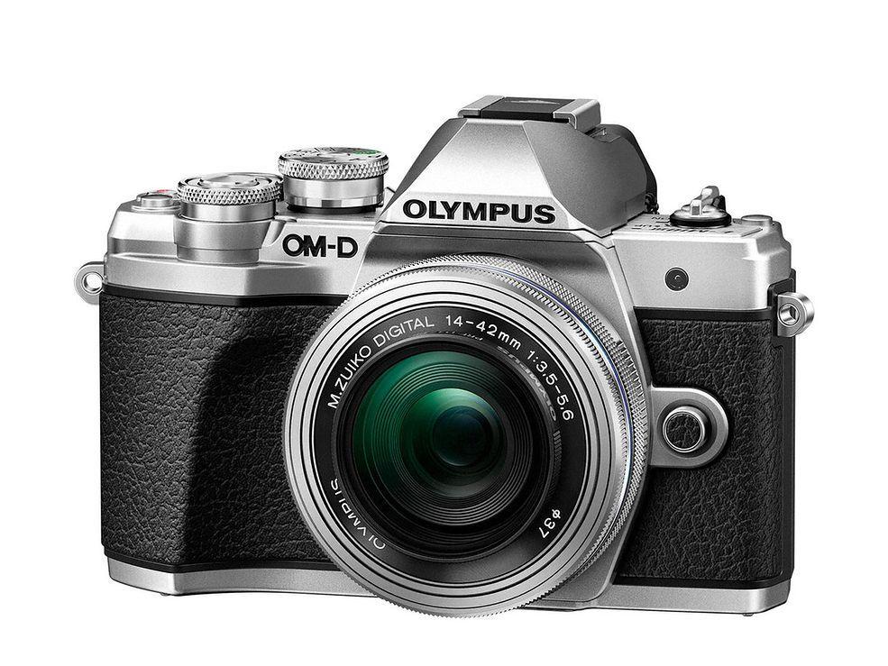 Aparat Olympus E‑M10 Mark III + 45mm 1.8