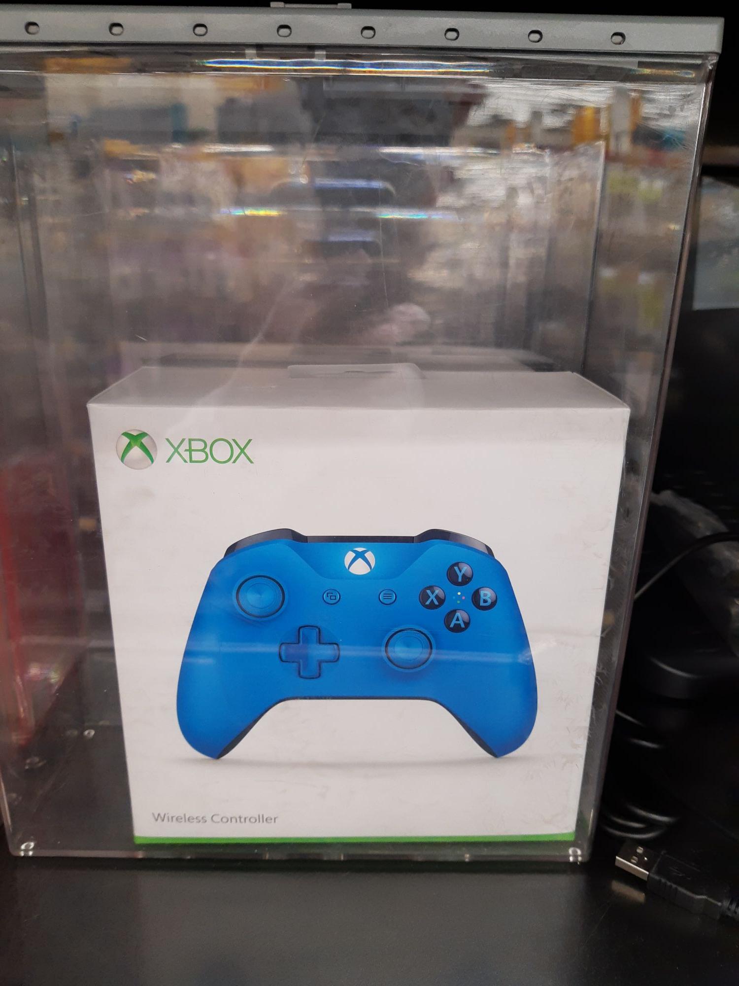 Pad Xbox One niebieski Auchan