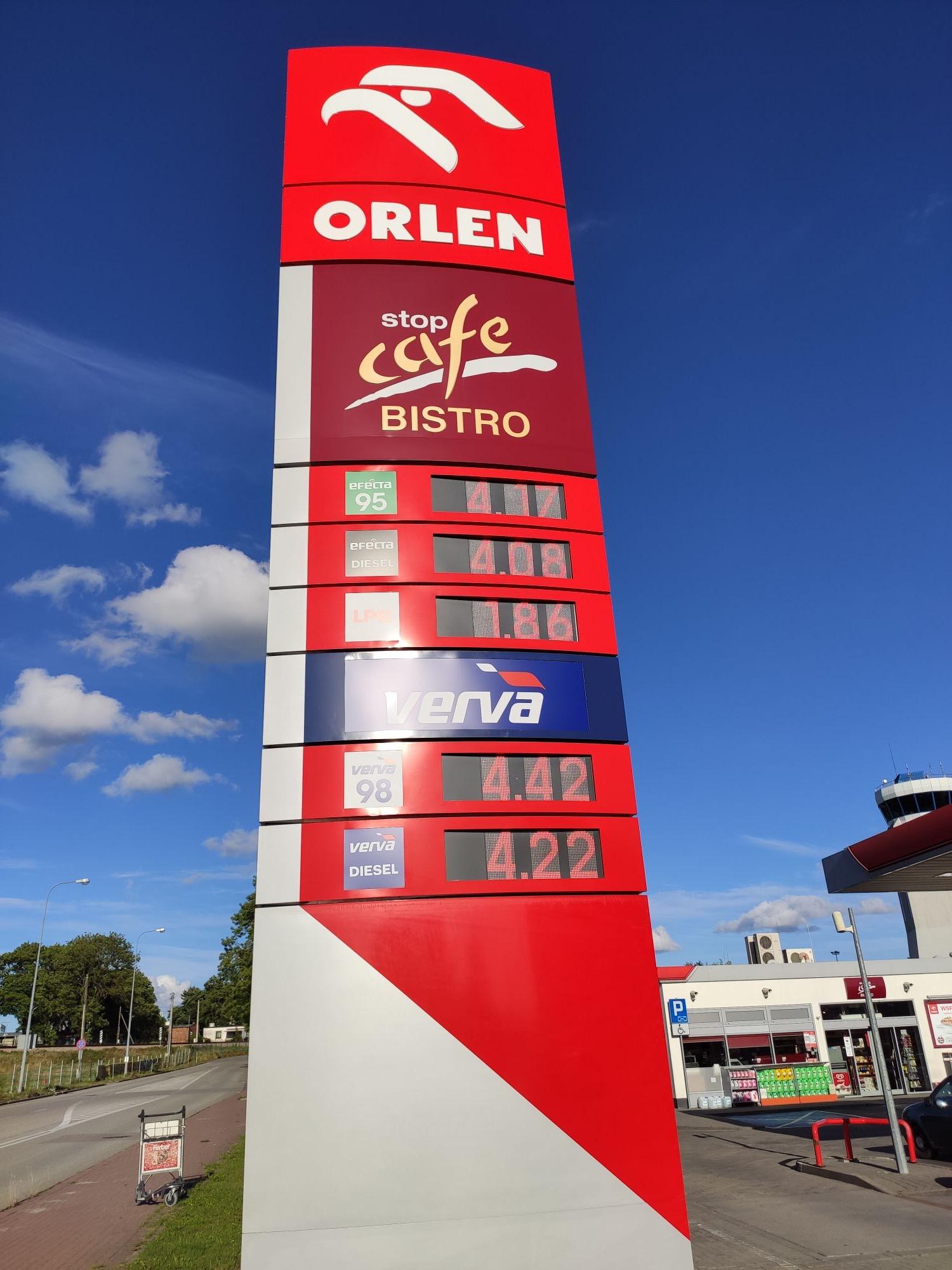 Gaz, LPG, Gdańsk ul. Słowackiego (przy lotnisku) orlen Edit: doszła stacja Amic przy IKEA z tą samą ceną.