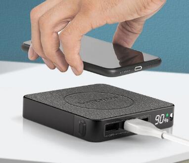 Ładowarka indukcyjna PowerBank BlitzWolf® BW-P13 wyświetlacz LED QC3.0 & PD3.0 18W+15W Wireless