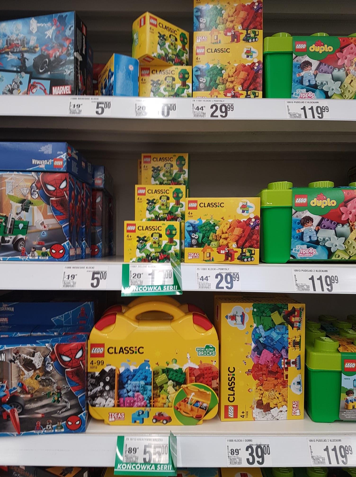 LEGO w Auchan: przecenione zestawy Star Wars, Classic, Creator, Friends, Minecrafit. Nawet -62%