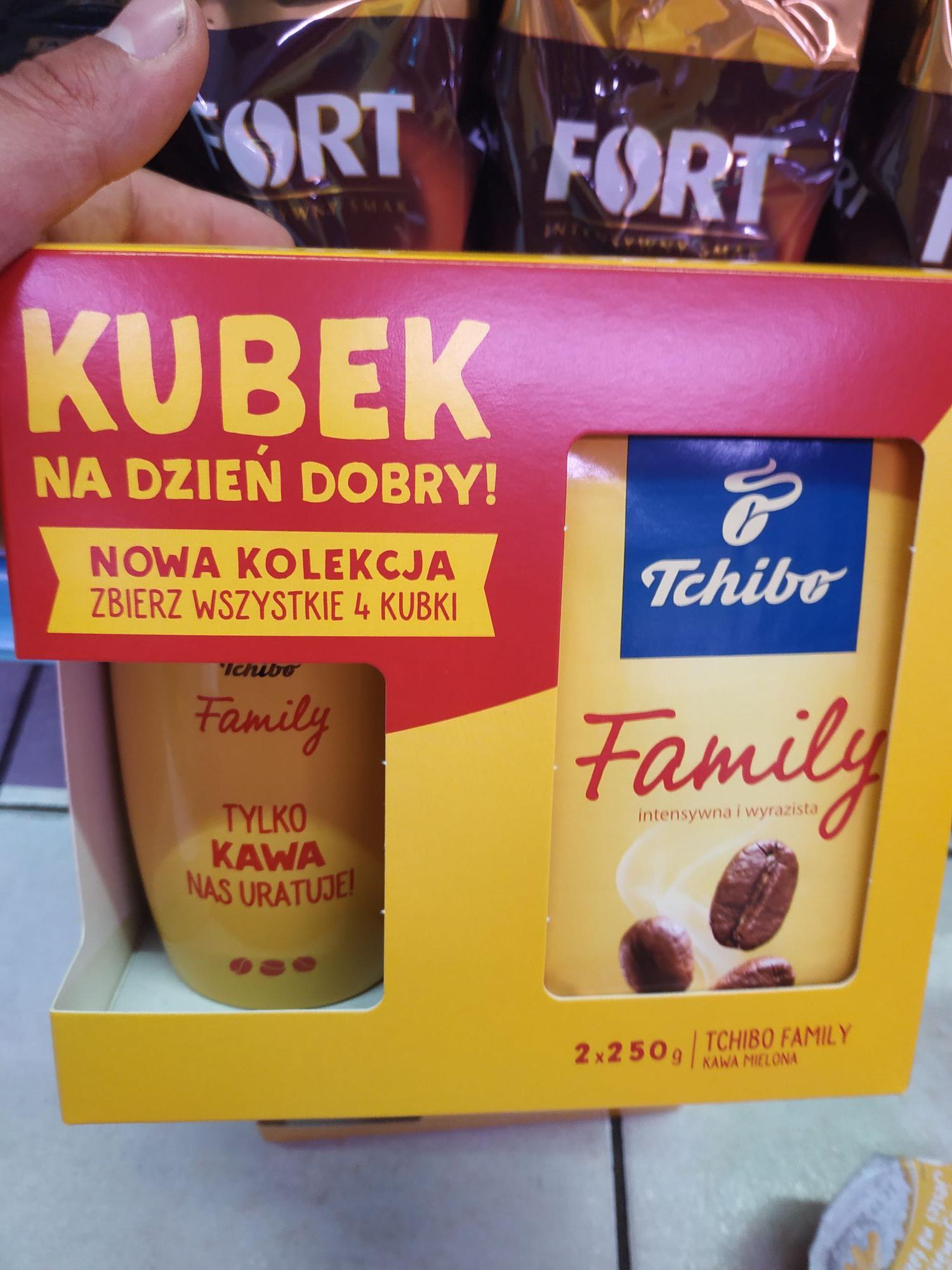Lewiatan. Kawa Tchibo Family 2x250g + kubek gratis