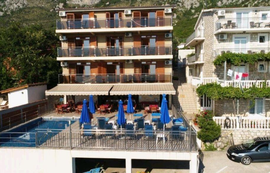 Hotel 4* w Czarnogórze 7 dni 2 osoby z śniadaniem przy plaży