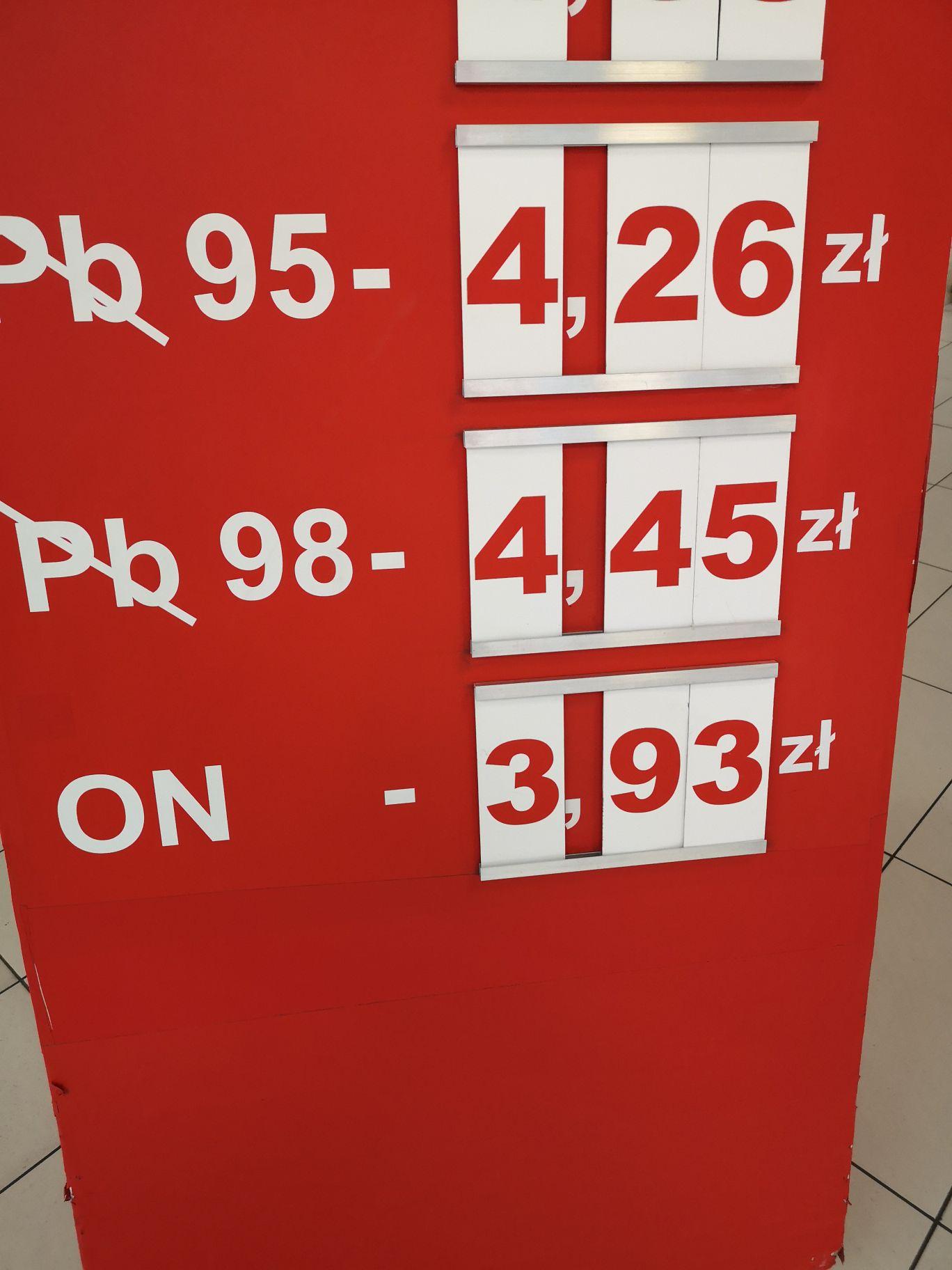 Paliwo diesel 3,93 zł / l. Auchan Swadzim