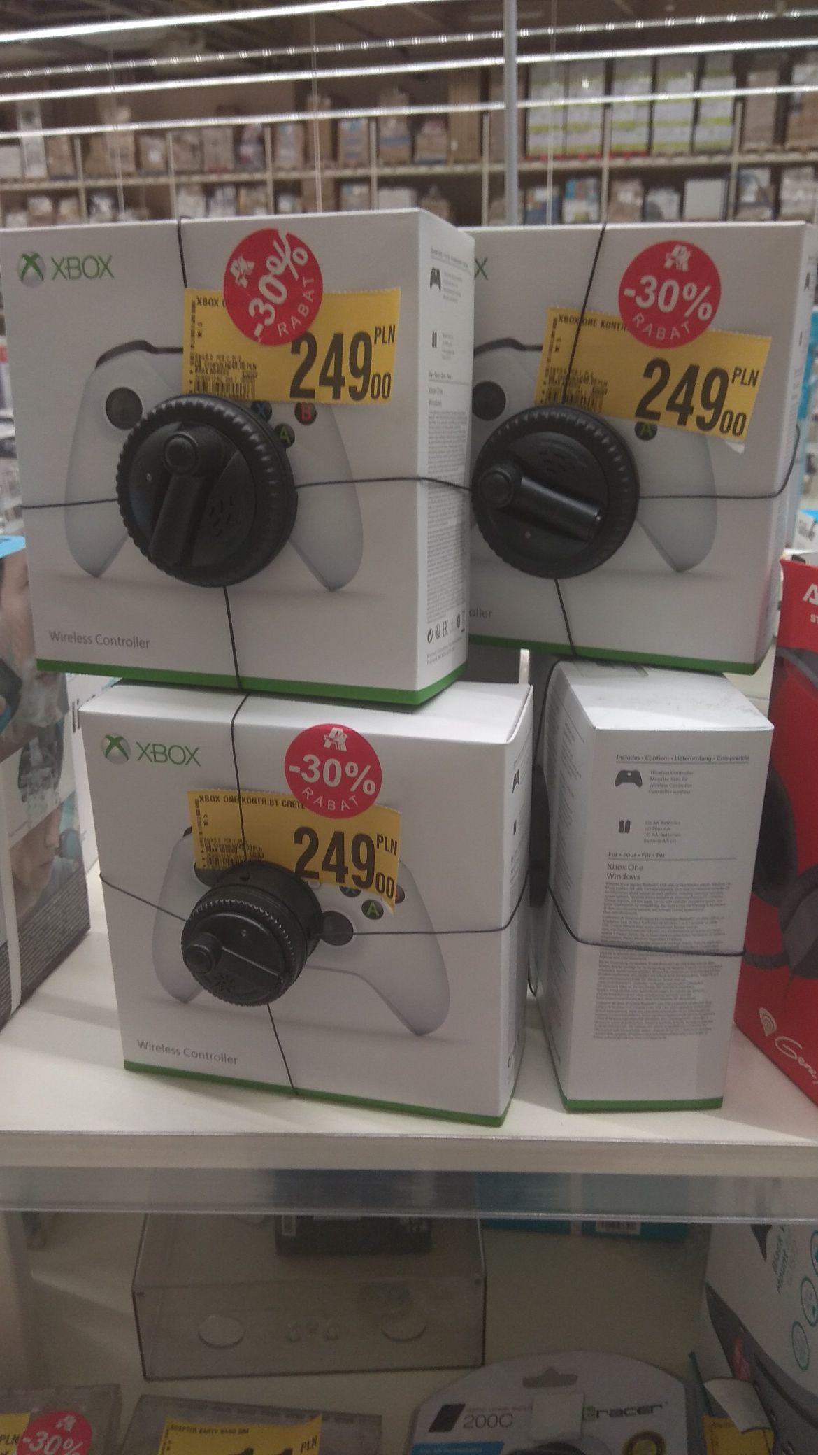 Pad Xbox One S biały @Auchan Warszawa Modlińska