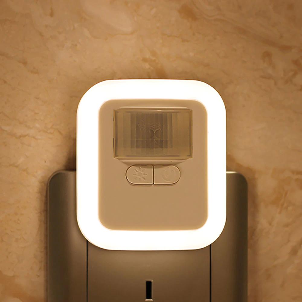 Lampka nocna do gniazdka z czujnikiem ruchu i regulacją jasności/czasu $4,99 + dostawa (ale są kupony sprzedawcy)