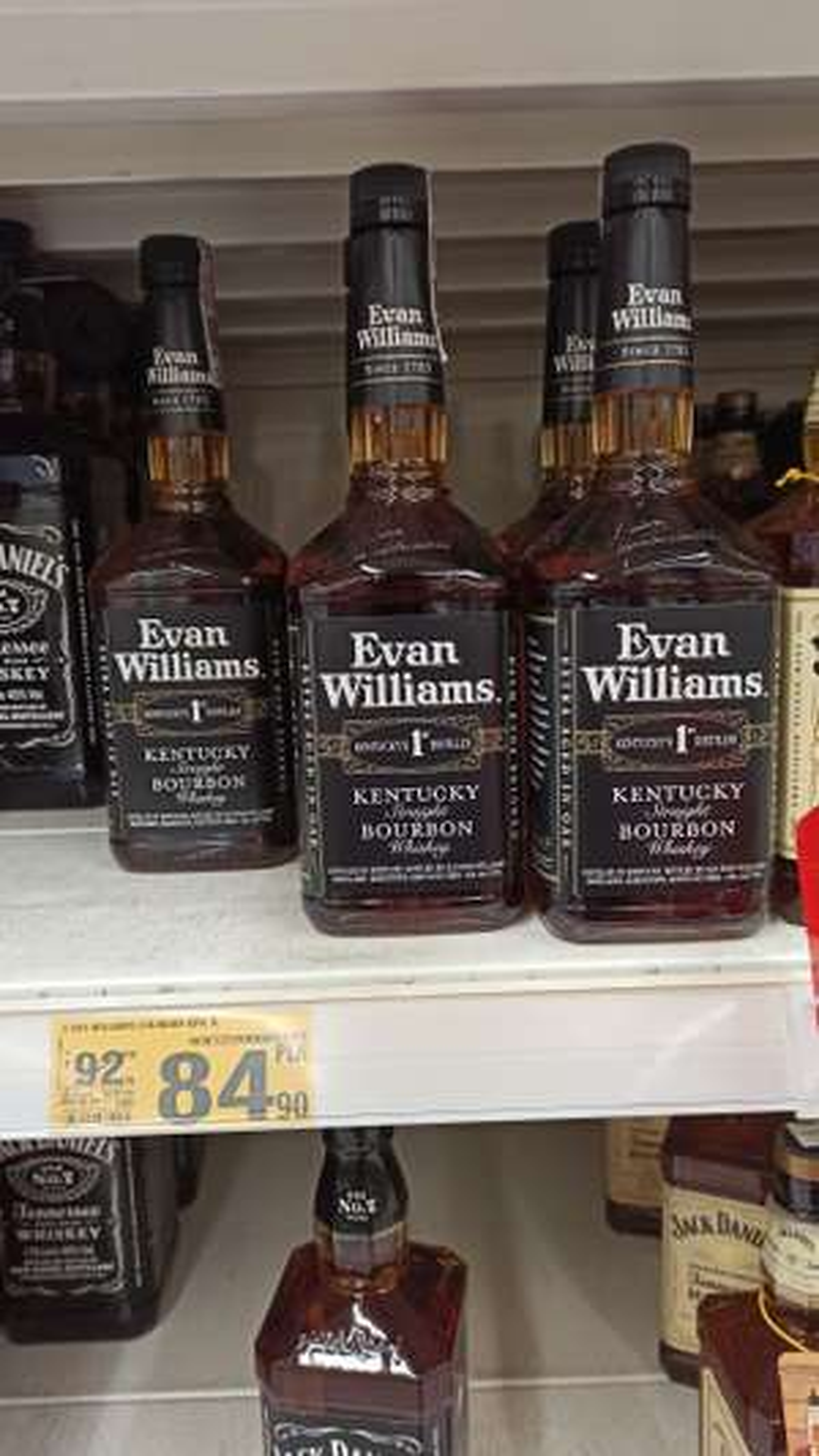 Burbon Whisky Evan Williams 1l, Dewar's 12 yo 0,7l, Tequila Mezcal Beneva 0,7l #Auchan