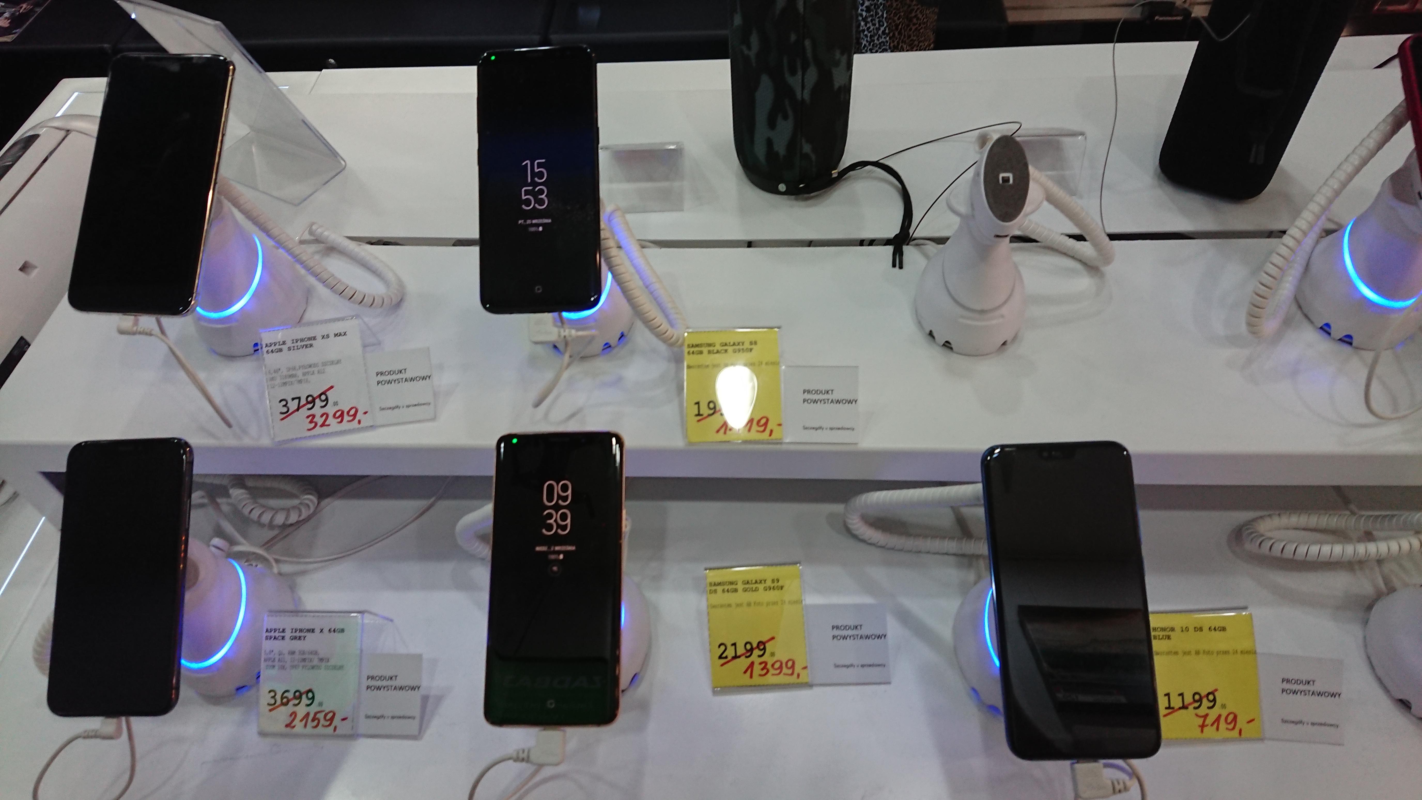 Smartfony i telefony z ekspozycji, Wwa Galeria Mokotów, AB