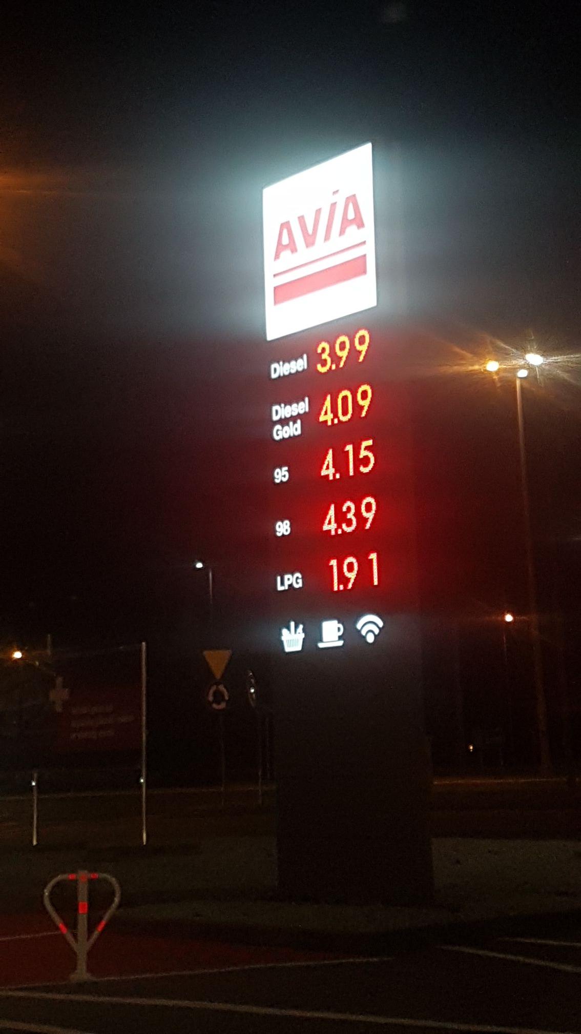 ON za 3,99. Stacja paliw Avia. Gorzów Wielkopolski.