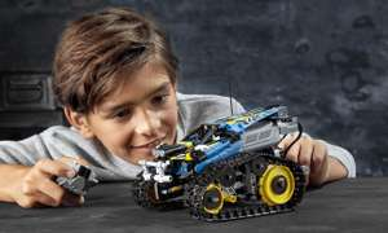 LEGO 42095 Technic - Sterowana wyścigówka kaskaderska