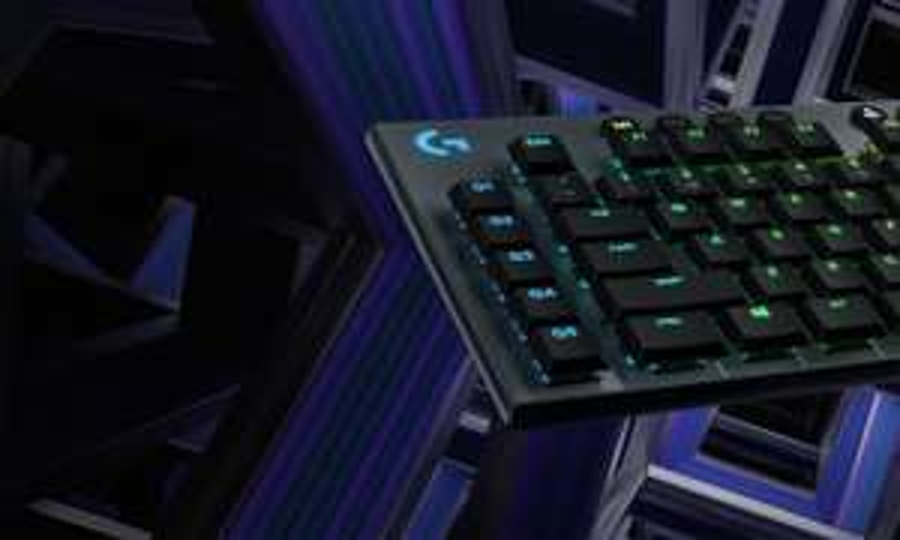 Logitech G815 LIGHTSYNC Tactile