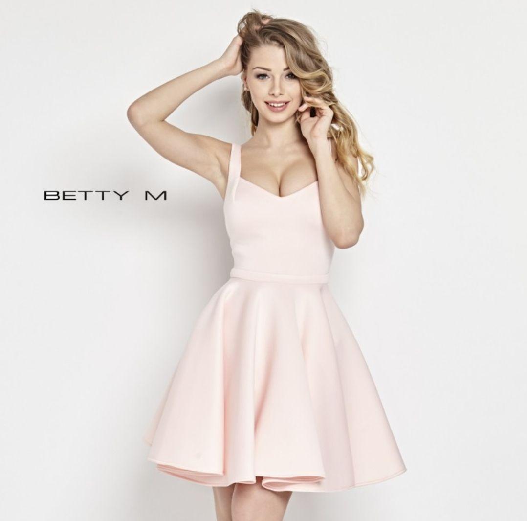 Sukienka Hugs i inne, BETTY M