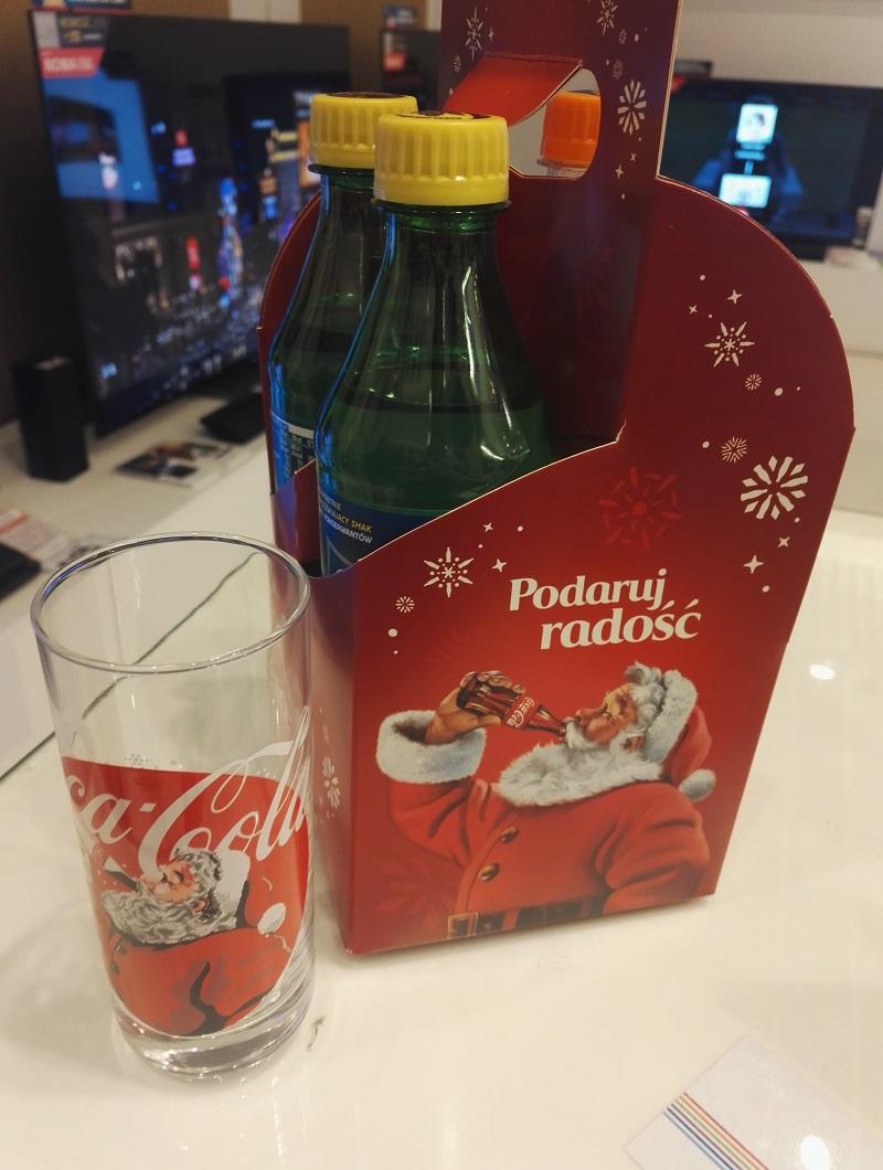 3x 0,5l Fanta, Cola lub Sprite szklanka gratis