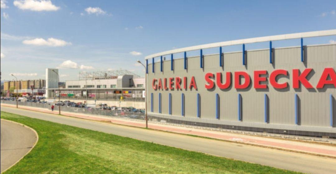 Galeria Sudecka w Jeleniej Górze do 50% na wszystko spis sklepów