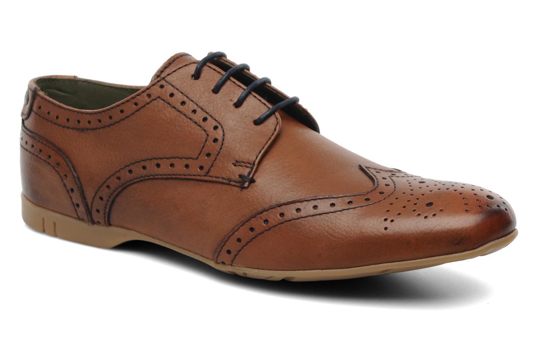 Skórzane buty męskie Base London za 220,70zł (40% taniej) @ Sarenza