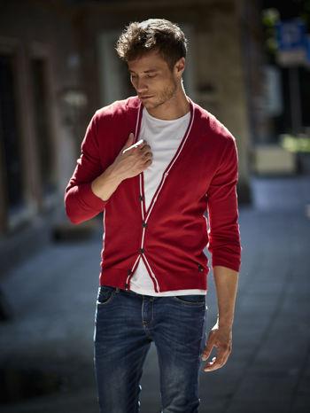 - 75 % Czerwony sweter męski na guziki Funk n Soul