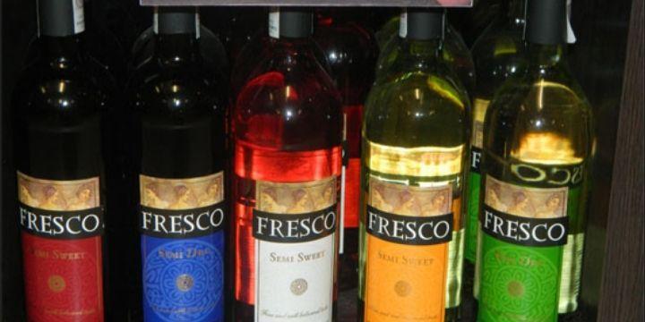 Wino Fresco w asortymencie za 7,99zł przy zakupie 2 butelek, Biedronka