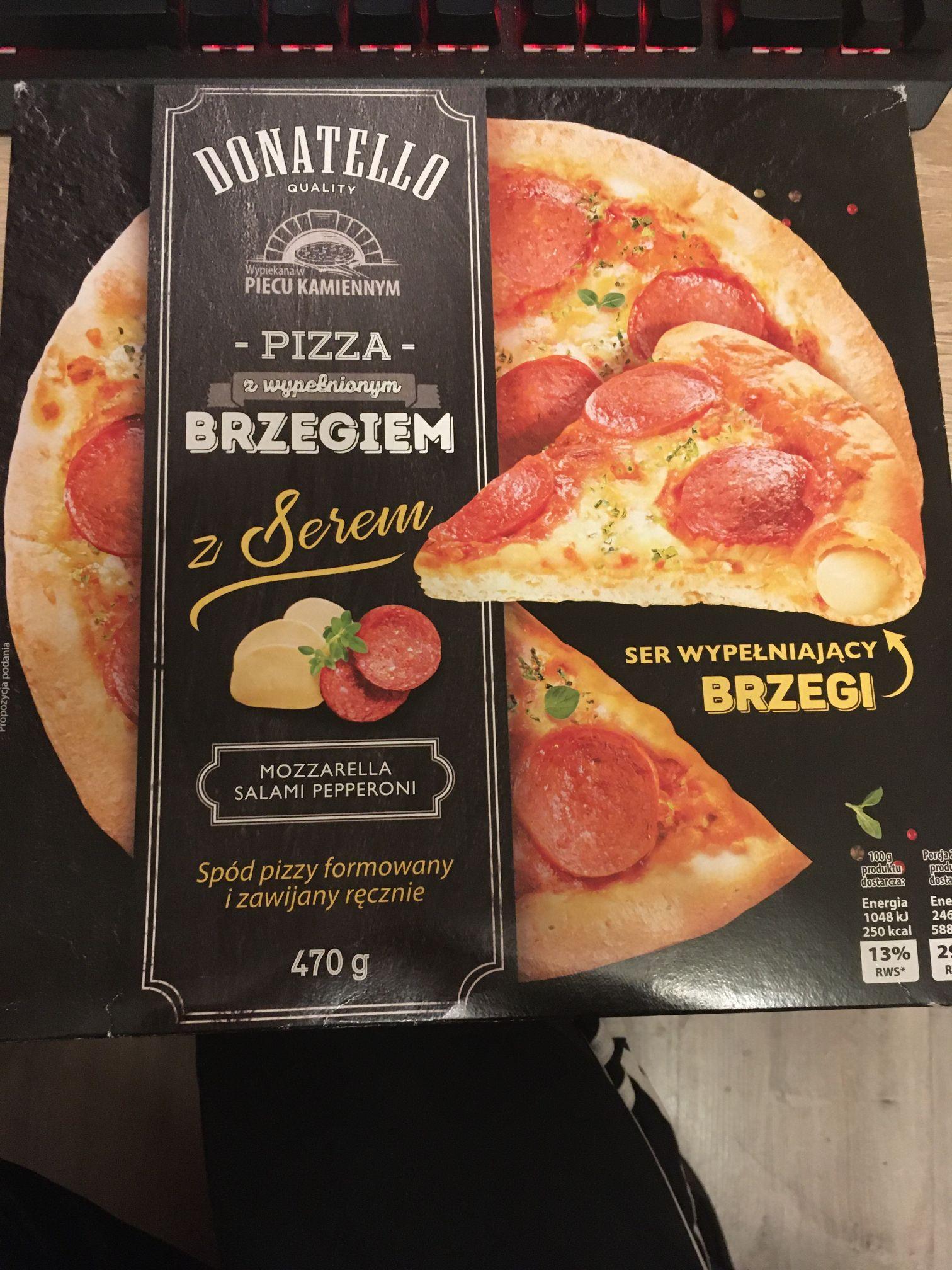 Biedronka: Pizza Donatello z wypełnionym brzegiem